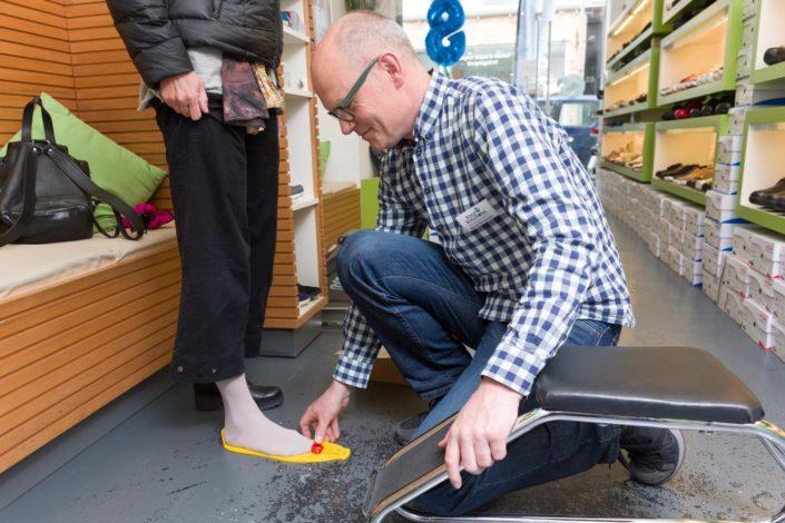 Fußmessung im Fachgeschäft