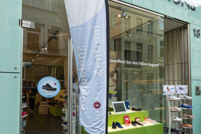 Abbildung von Foot Solutions Fachgeschäft in Köln von aussen